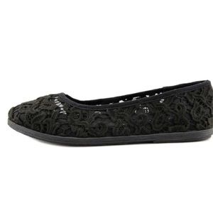 Kelly & Katie NWOB Maiola Black Lace Flat Shoe 8.5